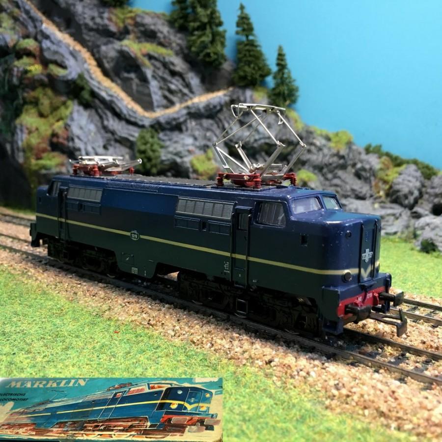 locomotive lectrique 1219 ns occasion avec boite ho 1 87. Black Bedroom Furniture Sets. Home Design Ideas