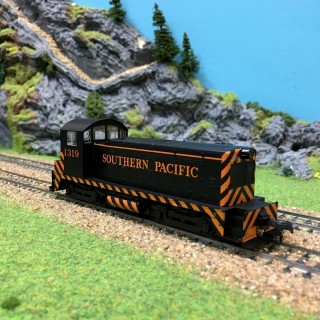 Locotracteur EMD NW phase I Southern Pacific 1319 HO-1/87-KATO 37-1011 DEP17-64