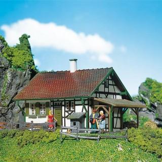 Petite maison à colombages-HO-1/87-FALLER 130277