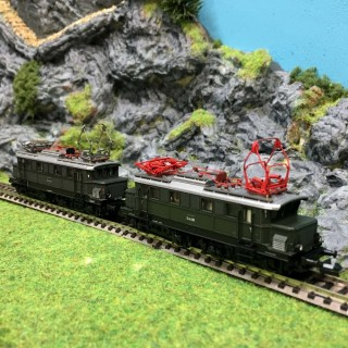 2 locomotives Class E44 DB ép II et III -N-1/160-MINITRIX 16661