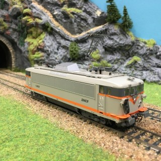 Locomotive BB8630 béton Sncf -HO-1/87-JOUEF HJ2077 L241