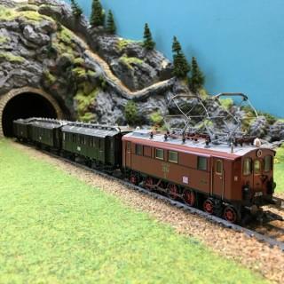 Locomotive 20104 avec 3 voitures DR Mfx-HO-1/87-MARKLIN 26537 DEP39-51