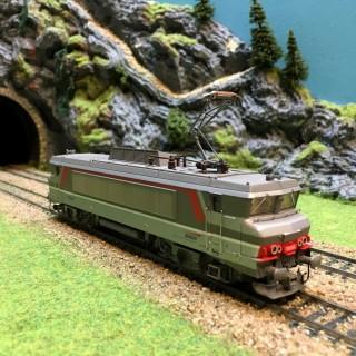 Locomotive BB15054 Sncf digitale -HO-1/87-ROCO 63778 L242