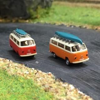 2 combis VW avec galerie et canoé-N-1/160-MINIS LC3887