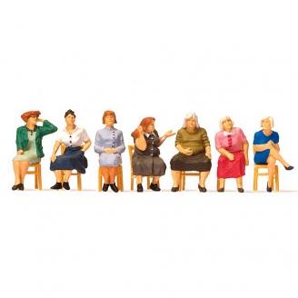 7 Femmes assises sur des chaises - HO 1/87 - PREISER 10580