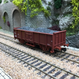Wagon ouvert à 2 essieux avec charge de charbon SNCF-HO 1/87-JOUEF HJ5703