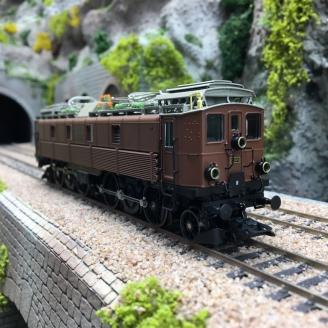 Locomotive Be 4/6 12305 CFF Ep II digital son 3R-HO 1/87-MARKLIN 39510