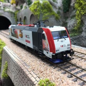 Locomotive BR 185.2 Kombiverkehr Ep VI -HO 1/87- PIKO 59154