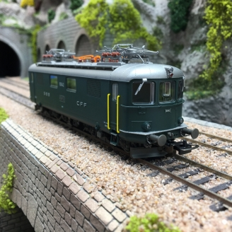 Locomotive Re 4-4 I / 10042 SBB Ep IV -HO 1/87- PIKO 96874