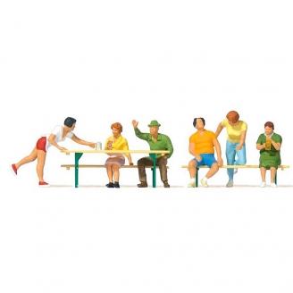 6 personnages, table et bancs-HO 1/87-PREISER 10702