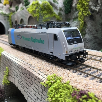 Locomotive EU43 Przewozy Regionalne Ep VI-HO 1/87-PIKO 59969