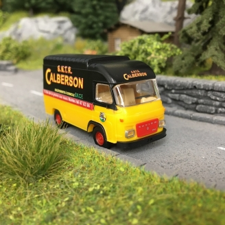 Camion Saviem SG2 Calberson Nantes-HO-1/87-IGRA 2912.5