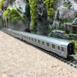 "3 voitures Inox ""Train Rapide"" Ep III SNCF - N 1/160 - ARNOLD HN4321"