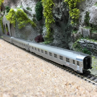 "3 voitures Inox ""Le Bourdonnais"" Ep III SNCF - N 1/160 - ARNOLD HN4320"