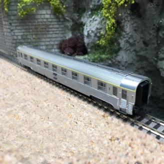 Voiture Inox 1CL Ep IV SNCF - N 1/160 - ARNOLD HN4324