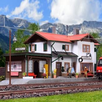 Gare type Maienfeld avec kit d'éclairage Led-HO 1/87-KIBRI 39496