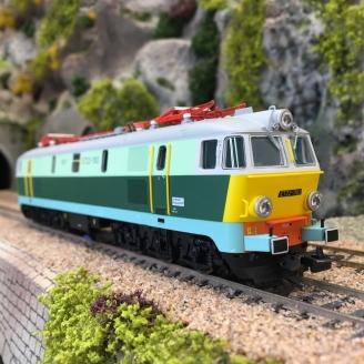 Locomotive Typ 201Eh ET22 1183 PKP Ep V -HO 1/87- PIKO 96335