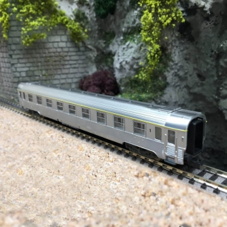Voiture Inox 1CL Ep III SNCF - N 1/160 - ARNOLD HN4323