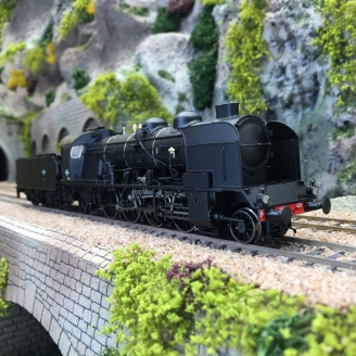 Locomotive 141 E 458 Veynes SNCF Ep III -HO 1/87-REE MB129