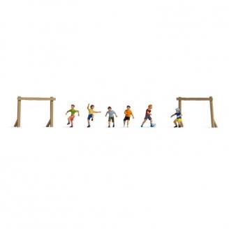 6 enfants jouant au foot - N 1/160-NOCH 36817