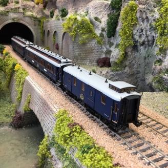 Coffret CIWL Simplon Orient Express Ep II-HO 1/87-HOBBYTRAIN H44023