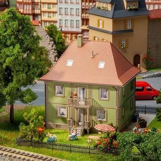 Maison avec 1 étage - HO 1/87 - FALLER 130682