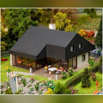 Maison d'architecte avec toit en panneaux - HO 1/87 - FALLER 130643