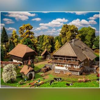 """Lot 4 bâtiments """"Forêt Noire"""" - HO 1/87 - FALLER 130677"""