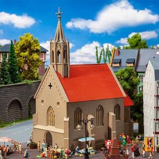 """Eglise de village """"St Andreas""""-HO-1/87-FALLER 130680"""