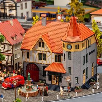 Bâtiment Traditionnel avec remise Pompiers-HO 1/87-FALLER 130649
