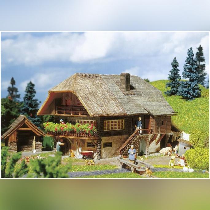 """Ferme typique """"Forêt Noire"""" - HO 1/87 - FALLER 131543"""