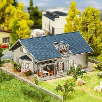 Maison Familiale avec éclairage-N 1/160-FALLER 232560
