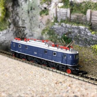 Locomotive électrique classe E 18 DB Ep III-Z 1/220-MARKLIN 88088