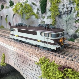 Locomotive BB-9496 - Avignon - SNCF Ep IV V - HO 1/87 - LSMODELS 10216