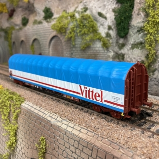"""Wagon à bâche coulissante """"Vittel"""" SNCF Ep IV -HO 1/87- MARKLIN 4711801"""