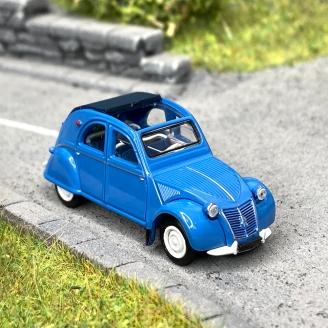 Citroën 2 CV AZLP 1958 bleu glacier, capote bleu foncé ouverte -HO 1/87-SAI 6013