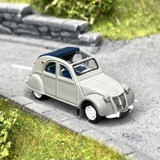 Citroën 2 CV AZLP 1958 grise, capote bleu foncé ouverte -HO 1/87-SAI 6011