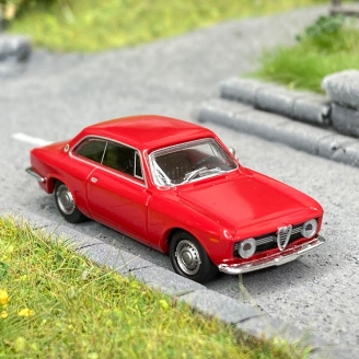 Alfa Roméo Giulia GT rouge -HO 1/87-BREKINA 29750