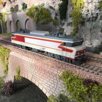 Locomotive CC 6543 livrée béton/rouge SNCF Ep V-HO 1/87-JOUEF HJ2370