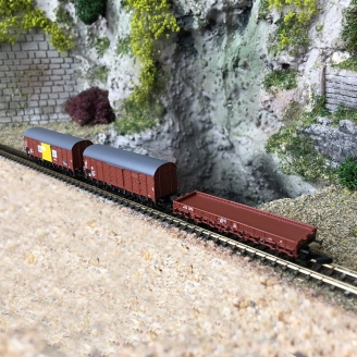 3 wagons marchandises DR Ep IV -Z 1/220- MARKLIN 82268