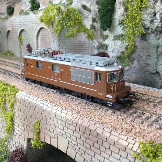 "Locomotive Re 4/4, BLS 195 ""Unterseen"", BLS Ep V-HO 1/87-RIVAROSSI HR2814"