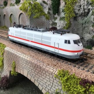 Locomotive 103 050-1 DB Ep VI digital son 3R-HO 1/87-MARKLIN 39173