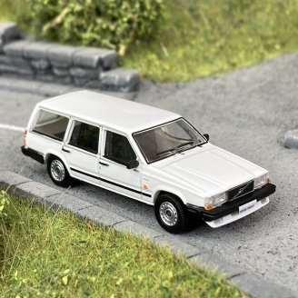 Volvo 740 Break blanche -HO 1/87-PCX870115