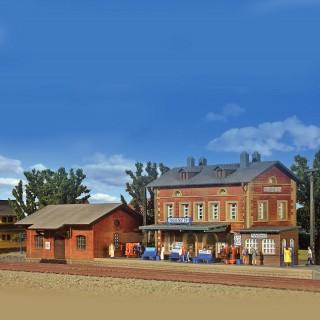 Gare avec halle à marchandises-N-1/160-KIBRI 37396