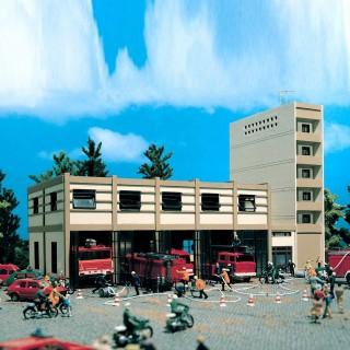 Caserne de pompiers moderne-HO-1/87-VOLLMER