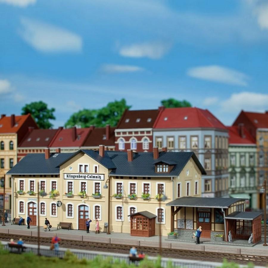 Gare de petite ville-HO-1/87-AUHAGEN 11346