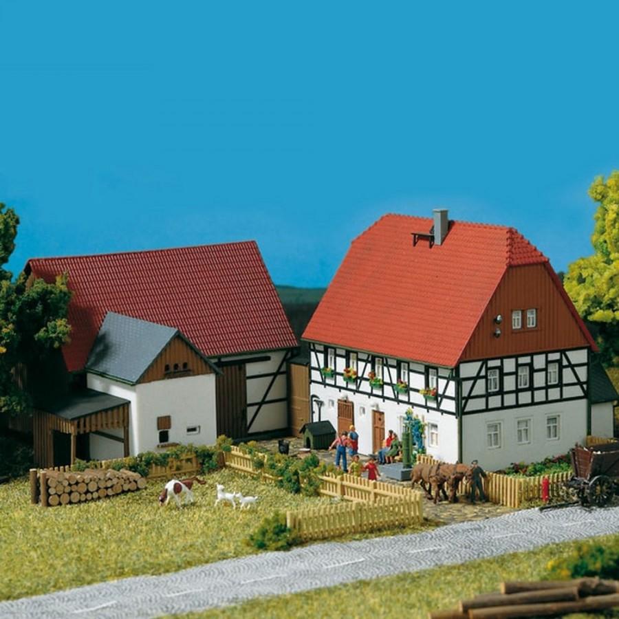 Petite ferme 2 batiments-HO-1/87-AUHAGEN 11350