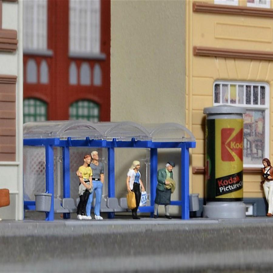 Arrêt de bus avec tour publicitaire-HO-1/87-KIBRI