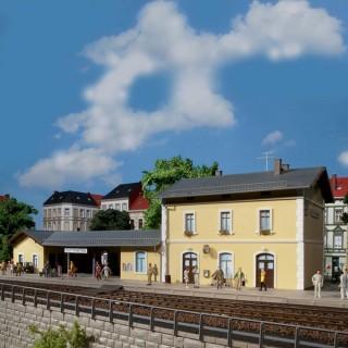 Gare de ville avec abri-HO-1/87-AUHAGEN 11369
