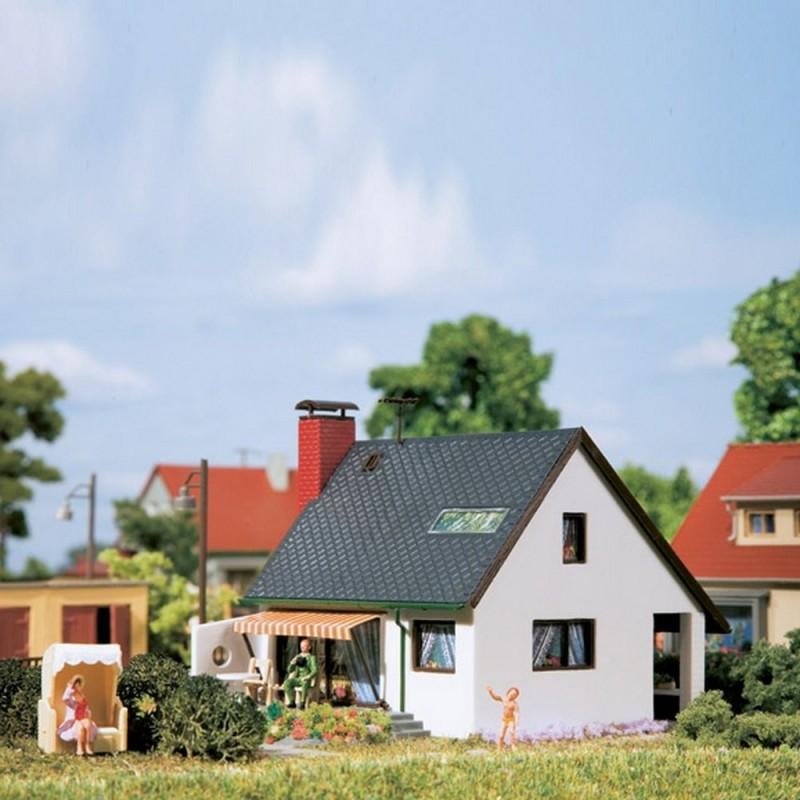 maison individuelle auhagen 12246 ho pour mod lisme ferroviaire. Black Bedroom Furniture Sets. Home Design Ideas